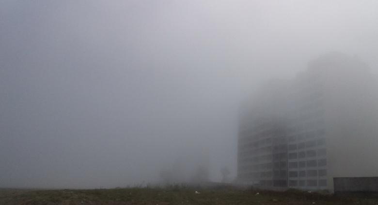 20190416_foggy seashore